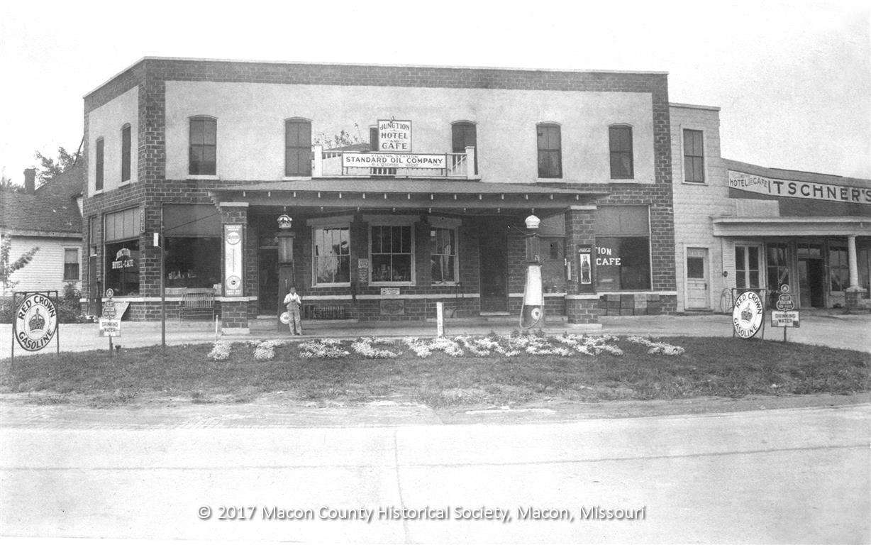 Itschner S Standard Oil Service Station Macon Mo 1930